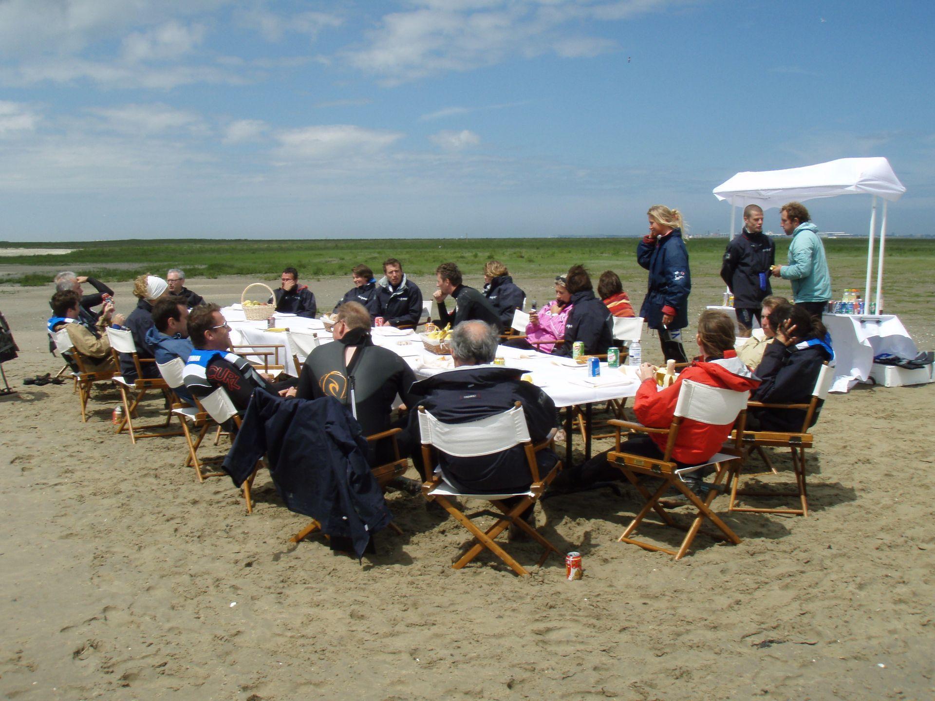 lunch op een zandbankmet Nuquest